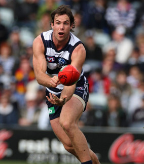 Former Cat settles foot claim out of court