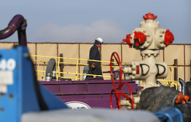 AP Photos: Colorado hosts its own fracking boom