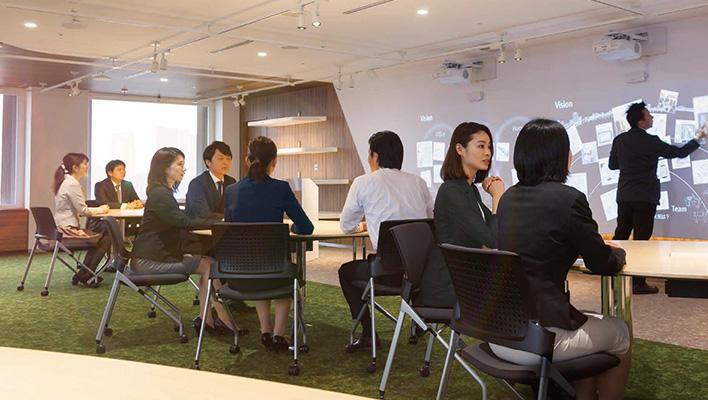 メインビジュアル : デジタル革新をともに考え、実現へ加速させる「富士通デジタル・トランスフォーメーション・センター」オープン!