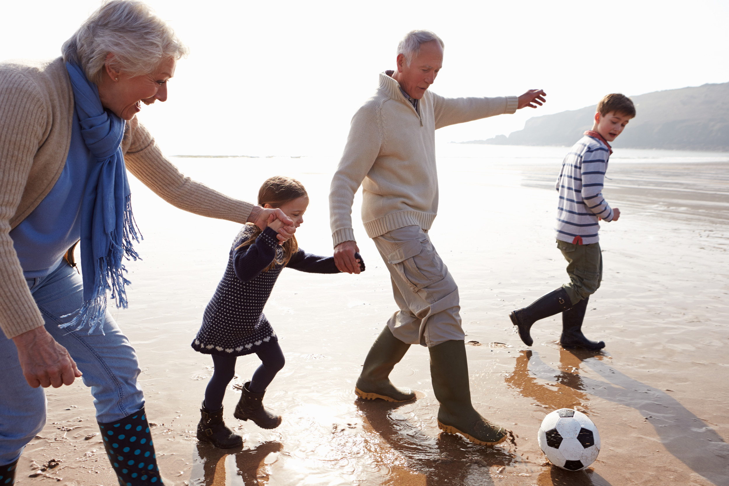 3 tips to raise money-savvy grandkids