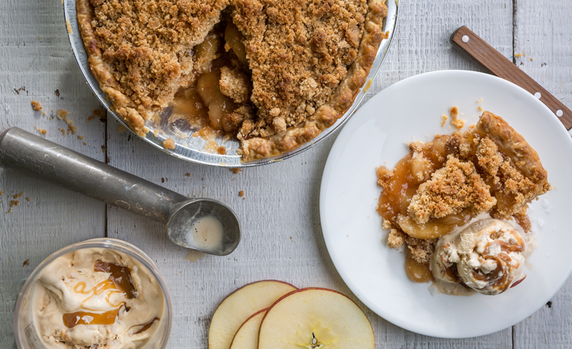 Dutch-Apple-pie-with-salted-carmel-ice-cream_820x500.jpg
