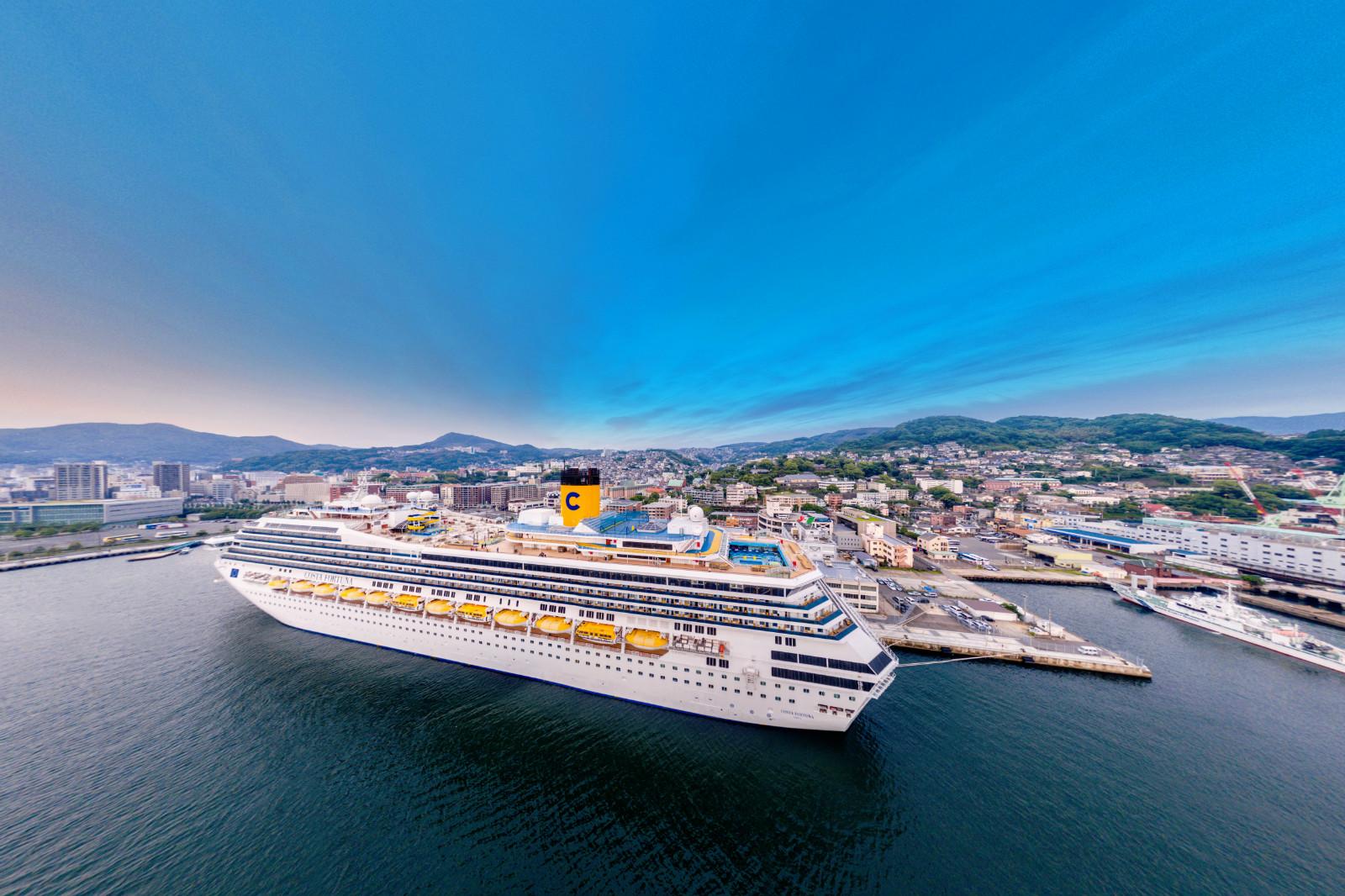 Carnival_Cruises_Branded_Shows.jpg