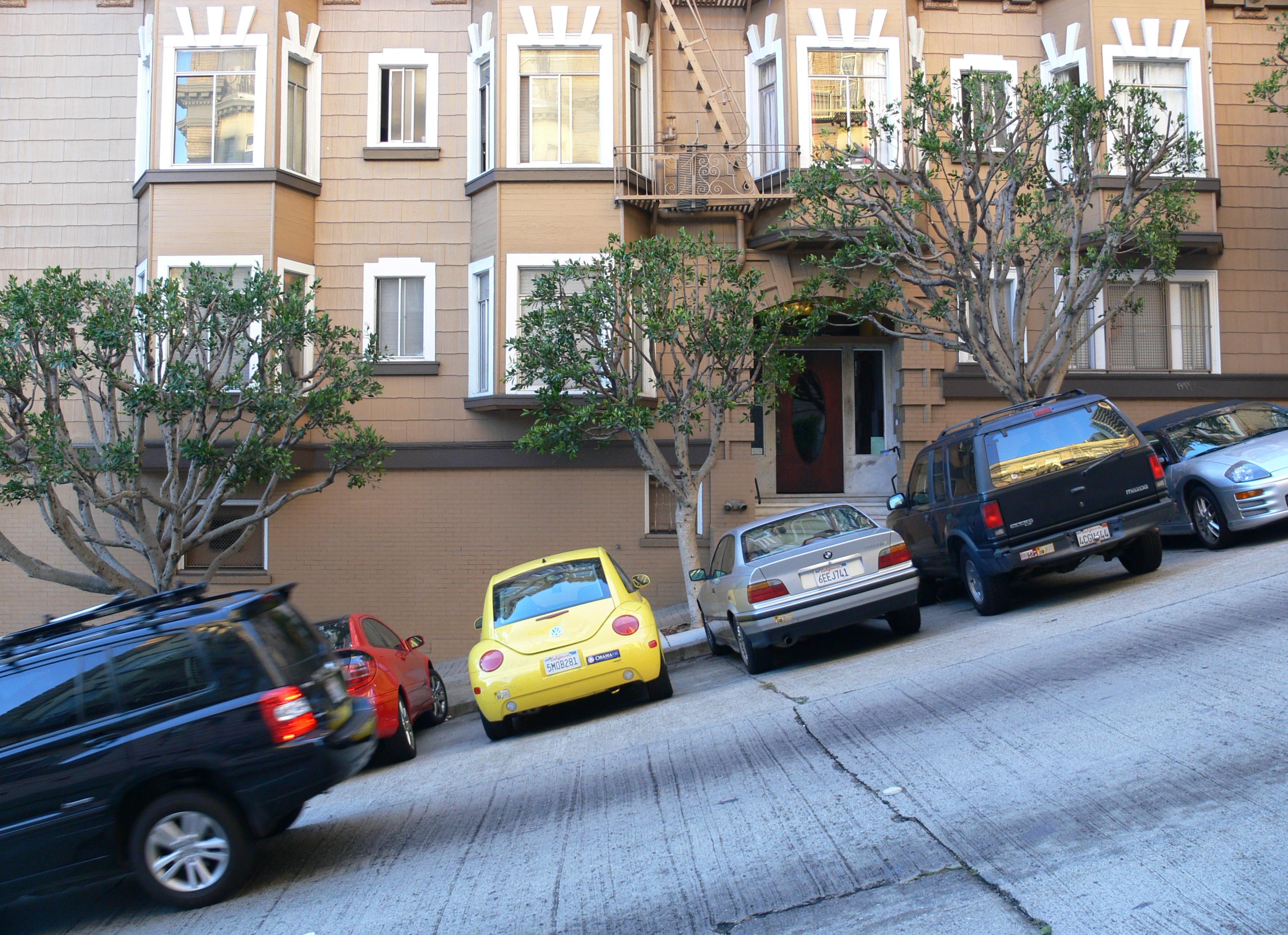 San_Francisco_Street_on_Nob_Hill.jpg