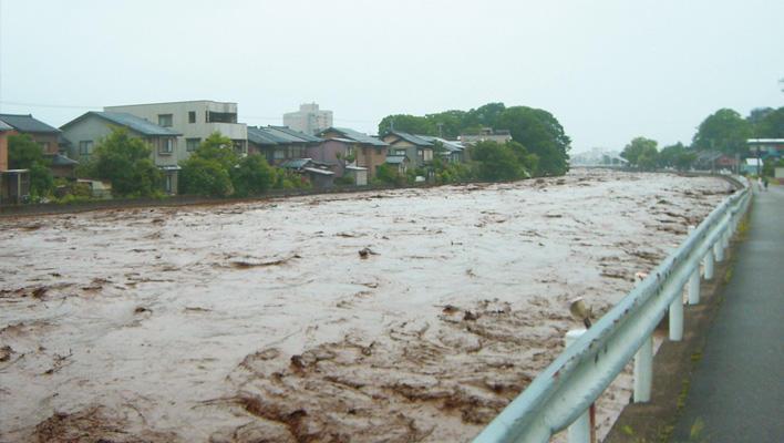 メインビジュアル : 集中豪雨!近隣の河川は大丈夫?スマホGPSで知りたい情報をいち早く(石川県様)