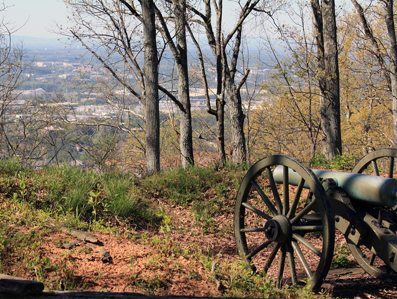 Hiking along Kennesaw Mountain