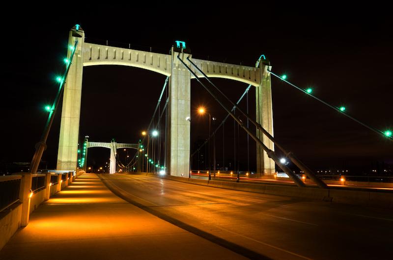 Hennepin Avenue Bridge.jpg