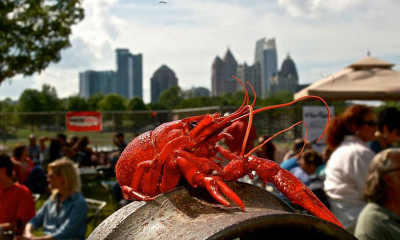 Catch a mid-Mardi Gras crawfish feast at Park Tavern. (image courtesy Park Tavern)