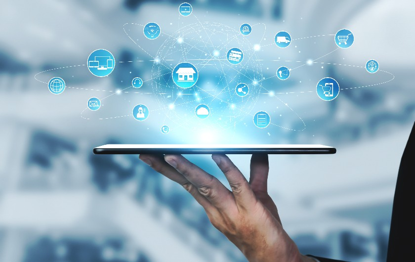 メインビジュアル : ショッピング体験をデジタル技術で提供する「オムニチャネル・マーケティング」とは
