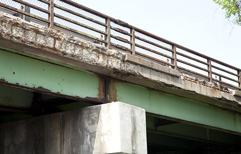 メインビジュアル : 「古い橋の劣化状態は?」急増する橋梁の点検業務をAIで高度化する技術