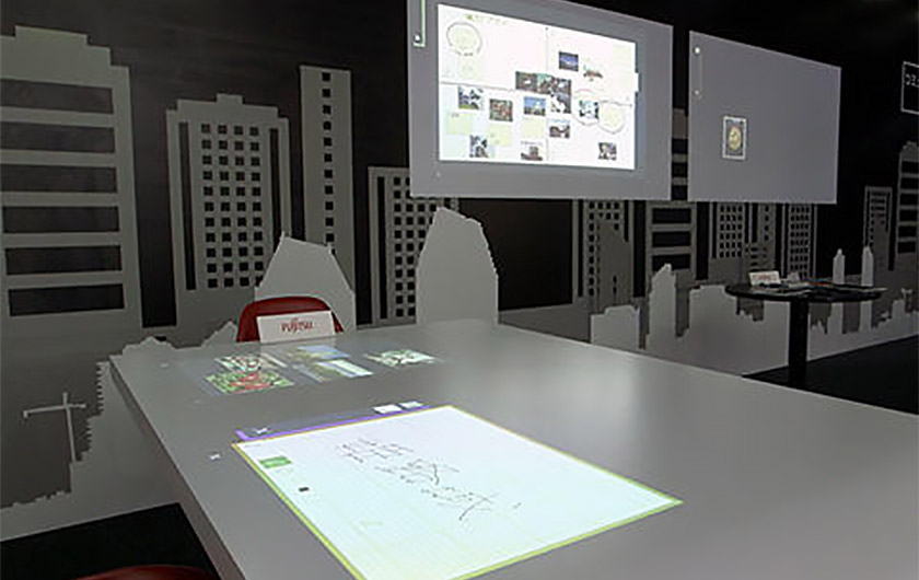 メインビジュアル : 【ちょいレポ!】直感操作で情報共有も楽々!空間をまるごとデジタル化するUI技術を体験してみた