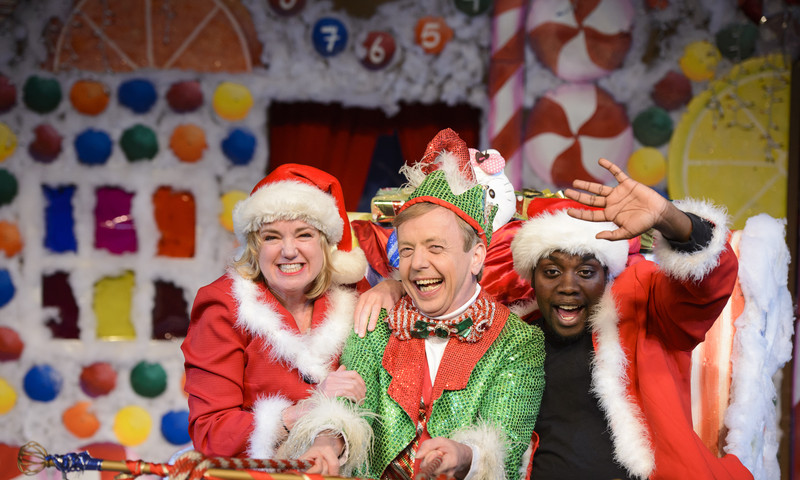 """Ride your sleigh over to Horizon Theatre for """"The Santaland Diaries."""""""