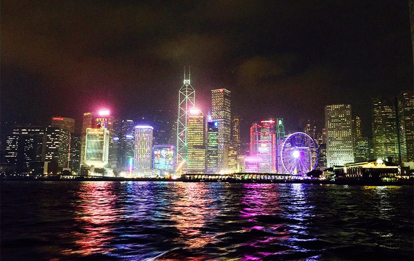 メインビジュアル : デジタル化を推進し、香港のますますの社会成長をサポート