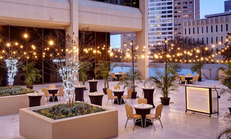 Relax at the outdoor pavilion. (📷 Hilton Atlanta)