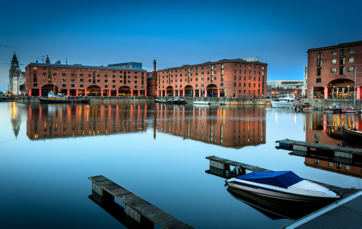 Albert_Dock_dreamstime_m_38737438_Low[1].jpg