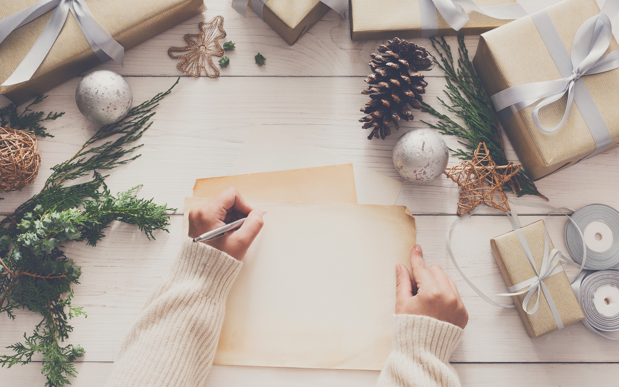 12 holiday marketing tips for a festive Christmas