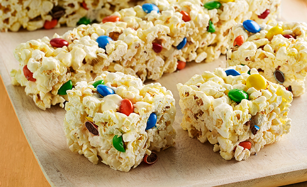 Marshmallow Popcorn Bars with Chocolate Candies Recipe